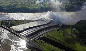 Brasil requerirá de otras tres represas Itaipú para 2021