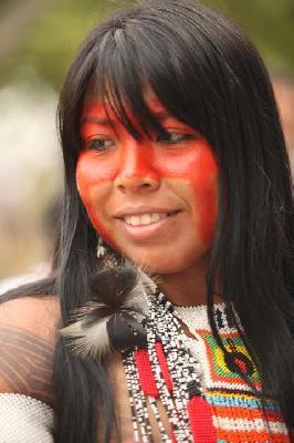 A sucessão do Cacique RAONI:  Mayalú Txucarramãe apresenta o Movimento Mebengokrê Nyre (Movimento Jovens Indígena)
