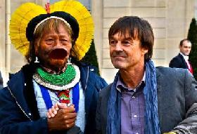 NICOLAS HULOT WITH CHIEF RAONI:
