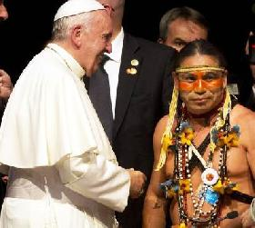 POPE FRANCIS MEETS A GUARANI-KAIOWÁ LEADER, SHEDDING LIGHT ON A BRAZILIAN INDIGENOUS PEOPLE THREATENED WITH EXTERMINATION